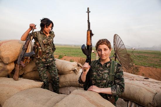 Rojava: Guerra e Revolução