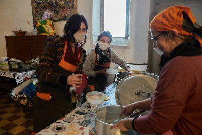 Pandemia Solidária: Surto de apoio mútuo espalha-se pelo país