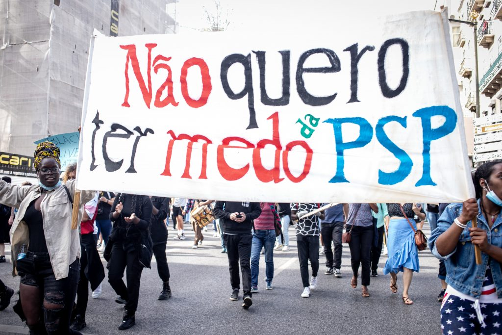 Fotorreportagem: manifestação anti-racista em Lisboa