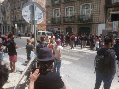 Empresa de segurança privada tenta despejar centro de apoio à população carenciada de Lisboa [com actualizaçōes]